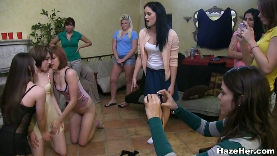 lesbis aspirant leden gedwongen totdat climaxen