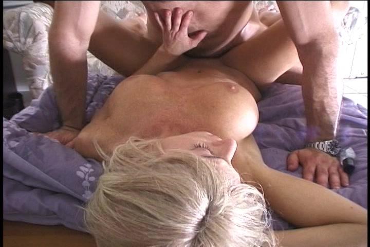 voor niets amat porno met sexy blonde milf