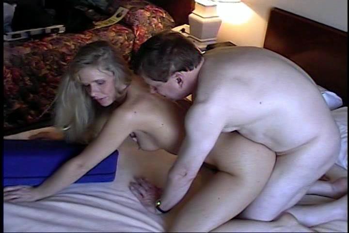 erotisch seksslavin onder hypnose