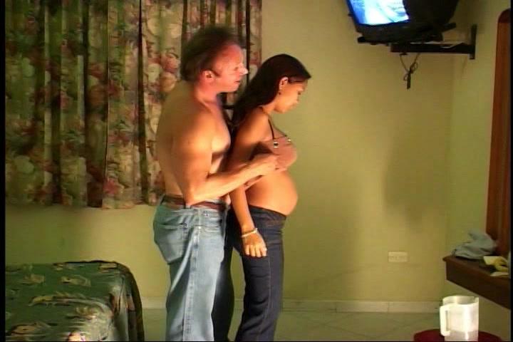 Hij sekst zijn zwangere zwarte vriendinnetje