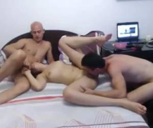 Trio sex voor de webcam